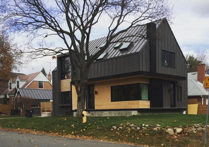 A New Garage on Exterior House Design