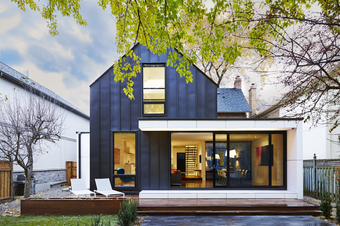 Blacklab architects inc toronto modern architecture for Modern residential architects