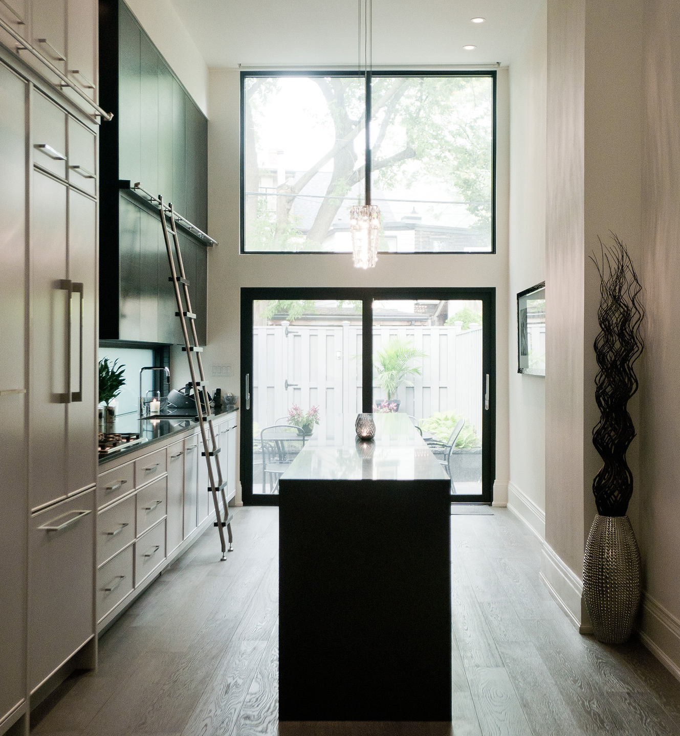 Spectacular Kitchen Family Room Renovation In Leesburg: Toronto Modern Architecture